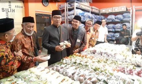 Ponpes Al Ittifaq Pemasok Sayuran ke Pasar Modern
