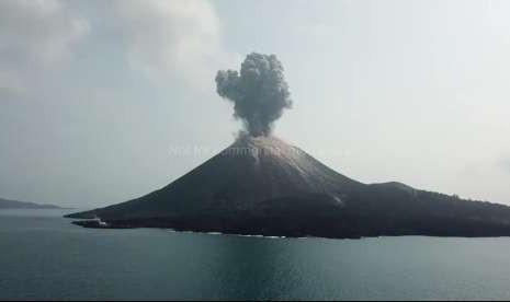 Gunung Anak Krakatau Alami 281 Kegempaan Letusan