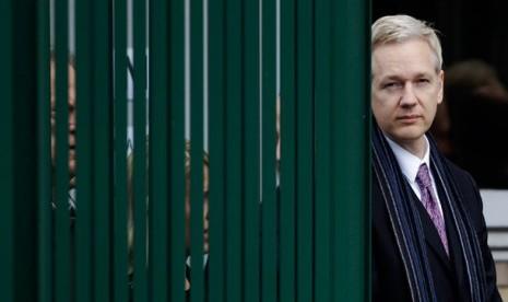 Presiden Ekuador Desak Pendiri Wikileaks Keluar dari Kedubes