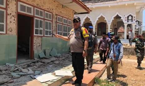 Polda Jatim Beri Pendampingan Psikologis Korban Gempa Sapudi