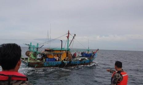 Kapal Pencuri Ikan Berbendera Malaysia Kembali Ditangkap thumbnail