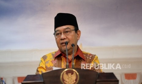 Mantan Ketua BPK Dikukuhkan Jadi Guru Besar Unair