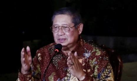 Berlibur ke Gunung Kidul, SBY Ikut Nyanyi Bersama Warga