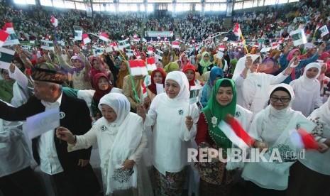 Khofifah Minta Ustazah Aktif Kampanyekan Jokowi-Ma'ruf