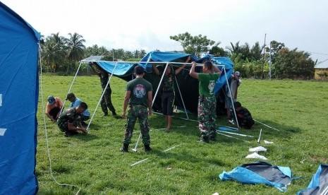 Prajurit TNI Gantikan Guru Mengajar di Kabupaten Sigi