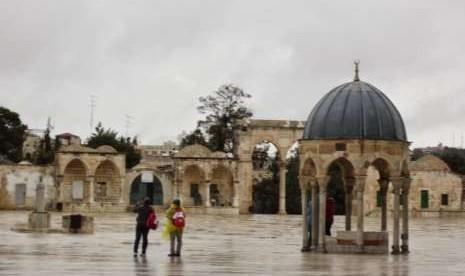 Israel Larang Pegawai Waqaf Islam Berada di Komplek Al-Aqsha