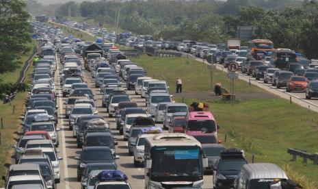 Puluhan Pengemudi Putar Balik di Perbatasan Aceh-Sumut thumbnail