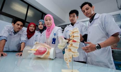 Mahasiswa UMM Kenalkan Terapi Gen Bagi Penderita Kanker