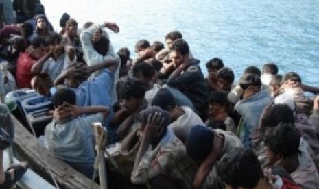 Puluhan Pengungsi Rohingya Masuk Aceh