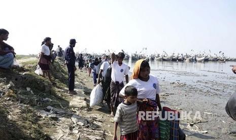 Bangladesh Tolak Tuduhan Cuci Otak Etnis Rohingya