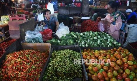 Harga Tomat Merangkak Naik karena Stok Minim