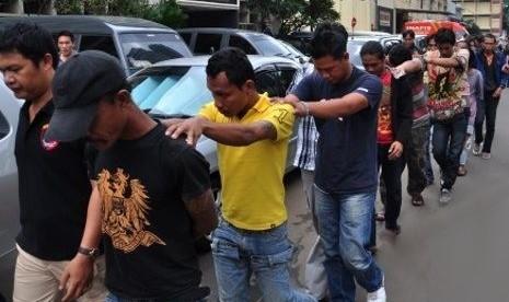 Polisi Ajak Masyarakat Terlibat Berantas Premanisme thumbnail