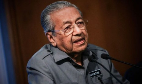 Lindungi Monarki, Malaysia Perketat UU Ujaran di Medsos