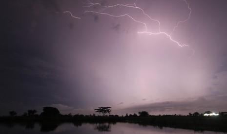 BMKG: Waspada Hujan Petir di Sembilan Daerah di Jabar