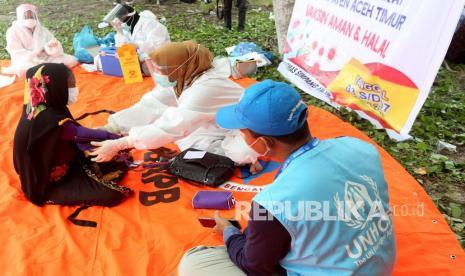 912 Imigran di Pekanbaru Jalani Vaksinasi Covid-19 thumbnail