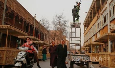 Merek Pakaian AS Beli Produk dari Pabrik Kamp Xinjiang Cina