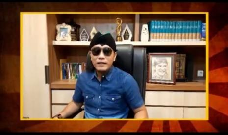 Gus Miftah Ustadz Maaher At Thuwailibi Berkepribadian Ganda Republika Online Mobile