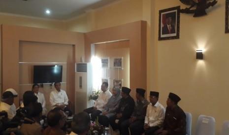 Di Lombok, Jokowi Pimpin Rapat Rehabilitasi dan Rekonstruksi