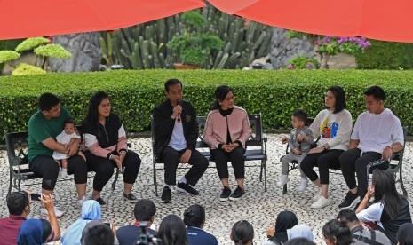 Jokowi Nilai Menantu Lelakinya Lebih Tertarik Politik