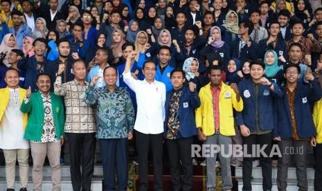 Jokowi Minta Mahasiswa Demo Dukung Pemerintah
