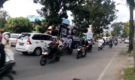 Ratusan Muslim Keliling Padang Serukan Bela Kalimat Tauhid