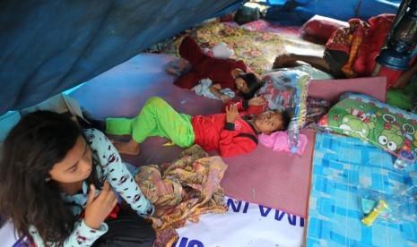 Rumah Zakat Bagikan Cokelat untuk Anak-Anak di Pengungsian