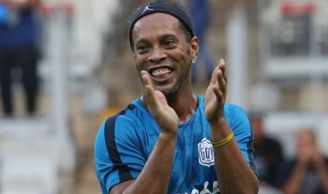 Ronaldinho Doakan Messi Bahagia di PSG