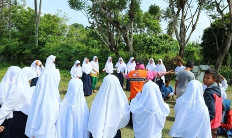 RZ Beri Pendampingan Psikososial Bagi Anak-Anak Korban Gempa