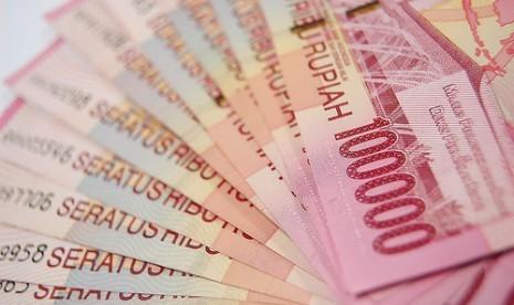 Aksi Jual Dolar AS Bawa Rupiah Menguat