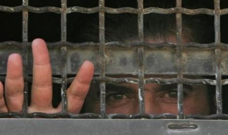 Israel Perburuk Kondisi Tahanan Palestina