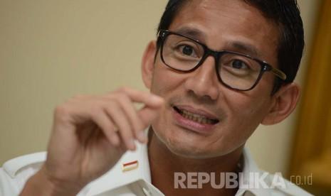 Mpok Nur Ingatkan Sandiaga Ziarah ke Makam Habib Kwitang