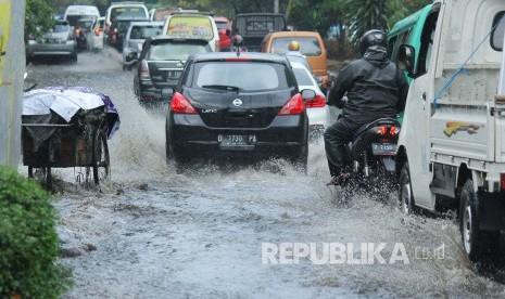 BMKG Ingatkan Potensi Banjir dan Longsor Meningkat