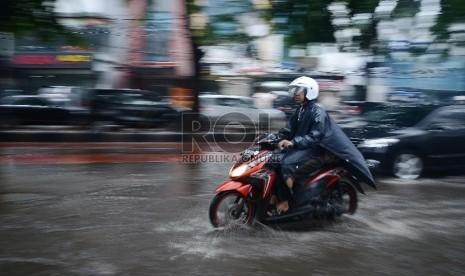 BMKG Ingatkan Potensi Hujan Berangin Kencang di Jakarta