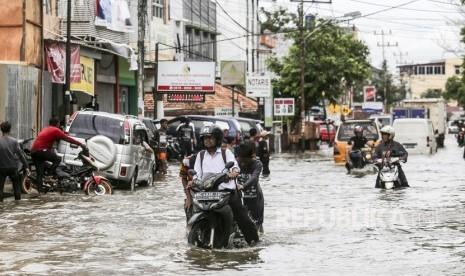 Curah Hujan Lebih dari 110 Milimeter, Palembang Banjir