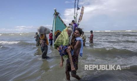 Myanmar Tangkap Kapal Rohingya Tujuan Malaysia