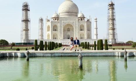Muslim Dilarang Shalat di Taj Mahal Kecuali Hari Jumat