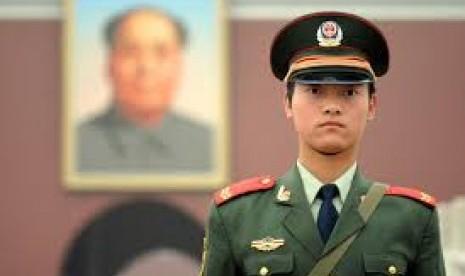 Cina Usir Dua Mantan Jenderal dari Partai Komunis