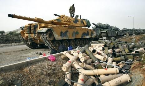 Turki Kirim Tank di Perbatasan Suriah, Perang akan Dimulai?