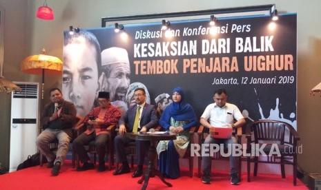 Muslim Uighur Beri Bantuan Korban Gempa Banten dan Lampung