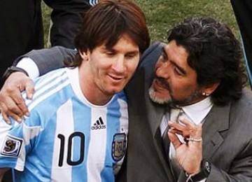 http://static.republika.co.id/uploads/images/headline/maradona-messi-_110711135432-169.jpg