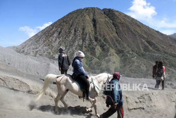 Penutupan wisata Bromo dan Semeru diperpanjang hingga batas waktu belum ditentukan.