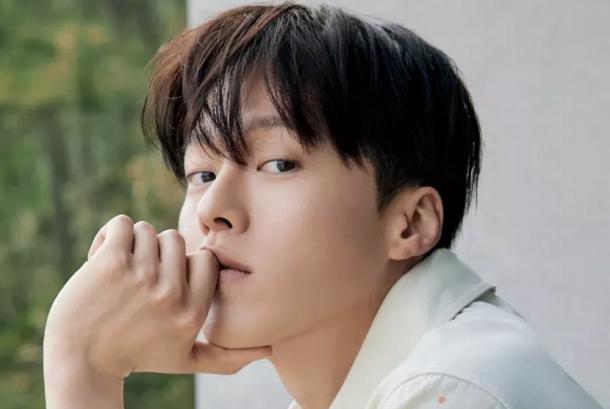 Jang Ki-Young tengah menyelesaikan syuting serial drama terbarunya. Ia akan mendaftar wajib militer pada akhir Agustus.