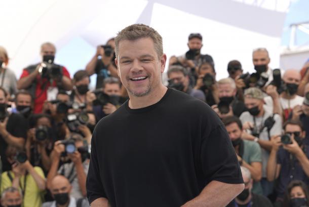 Matt Damon pernah memenangkan Oscar 1998 untuk Skenario Asli Terbaik berkat naskah film Good Will Hunting yang ditulisnya bersama Ben Affleck.