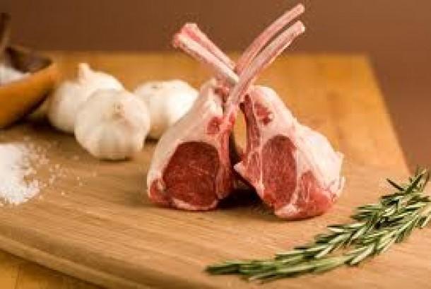 Salah satu tantangan dalam mengolah daging kambing adalah menghilangkan aromanya.