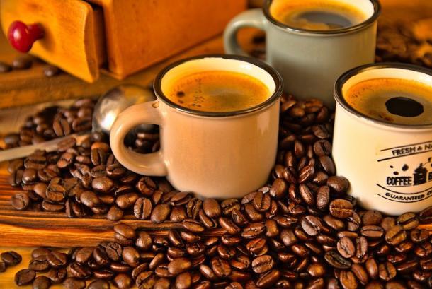 Peneliti pantau perkembangan sakit hati kronis dan kaitannya dengan konsumsi kopi.