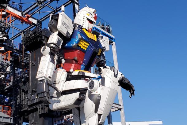 Robot Gundam Model RX-78F00 di Kompleks Gundam Factory Yokohama, Jepang.