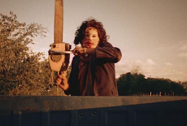 salah-satu-adegan-di-film-texas-chainsaw_210608170753-578.jpeg