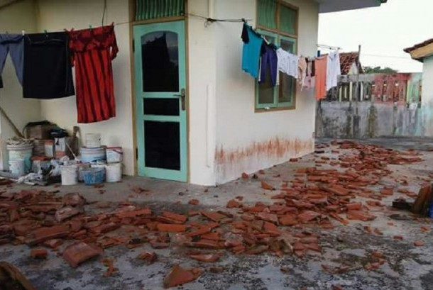 One of houses in Cisaat kampong, Sindangkerta, Cipatujah district, Tasikmalaya regency damaged by earthquake on Friday night.