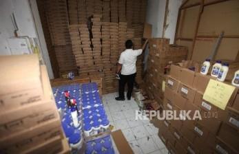 Tim Gabungan Periksa Gudang Makanan di Purwokerto