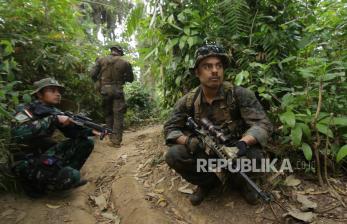 Marinir Indonesia dan AS Berlatih Perang Hutan di Banyuwangi